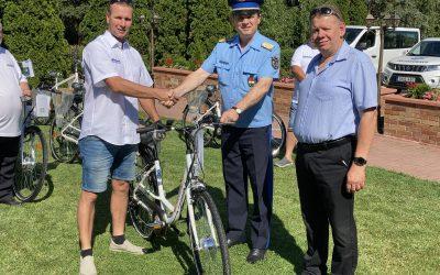 Ünnepélyes kerékpár átadás Komárom-Esztergom Megyei polgárőr egyesületek részére.